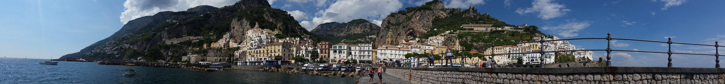 Amalfi coast panoramic.jpg