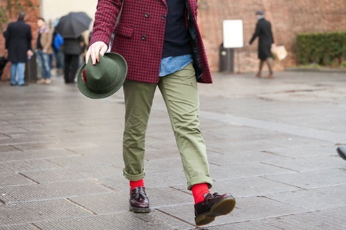 A way to wear red and green without looking like a Christmas tree! Also look at that jacket! | From:details.com