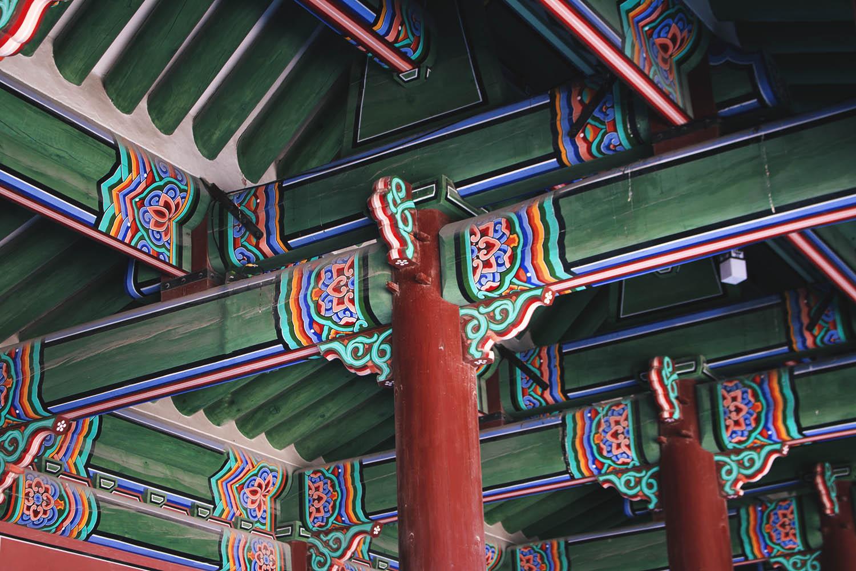 Ceraun's photo of the pillars in Gyeongbukgong(Seoul)