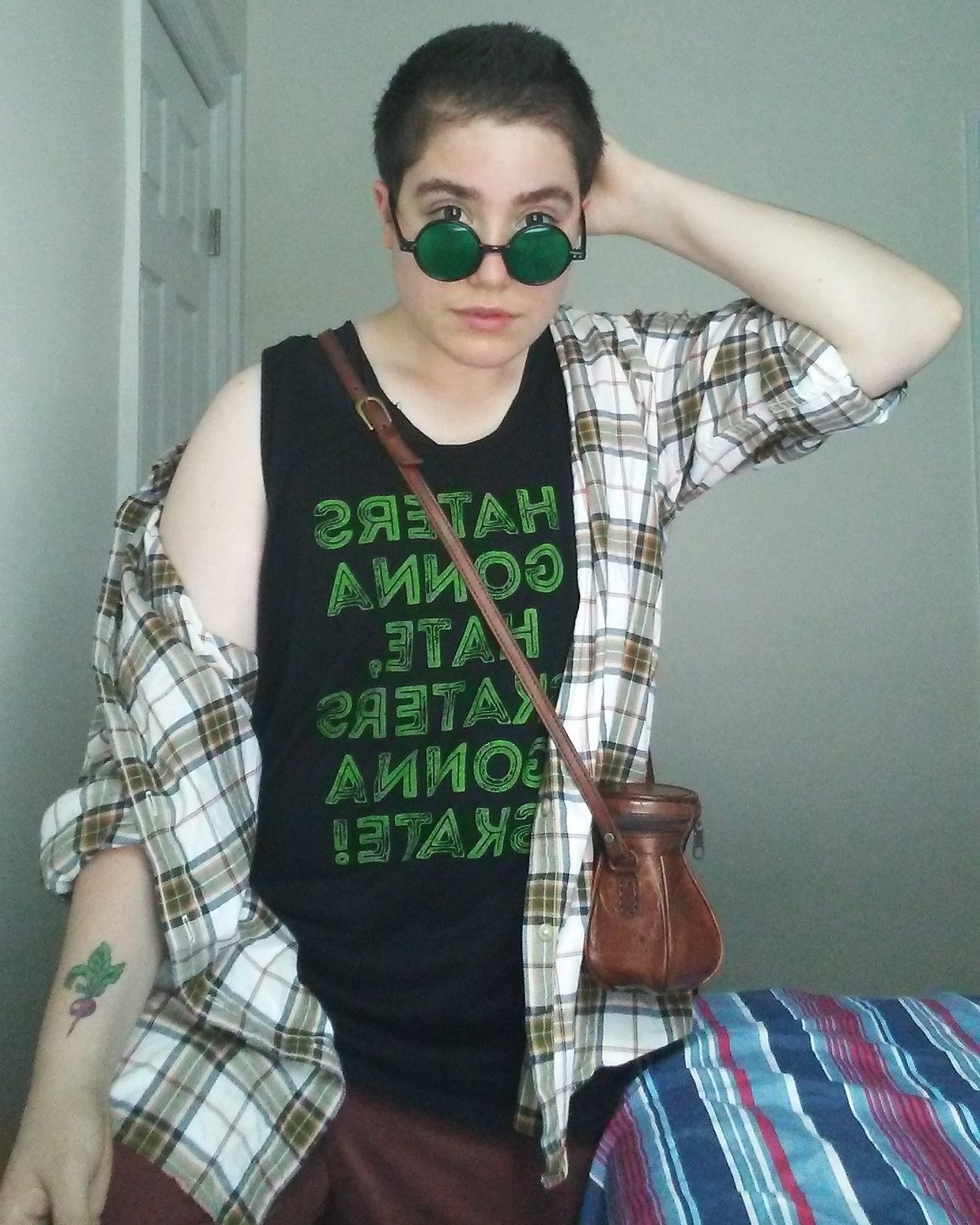 """Shirt reads: """"Hater gonna hate, Skaters gonna skate!"""" (Via  the-snazzy-jazzy-pirate-ship.tumblr.com )"""