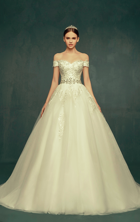 Royal Off the Shoulder Princess Ball Gown Wedding Dresses Lace Up Romantic Palace Custom Made Bridal Dresses