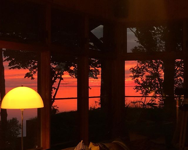 Warming the windows ...Sunset from chetonka ! #sunset #godslight #view #northport #m22 #upnorth #puremichigan