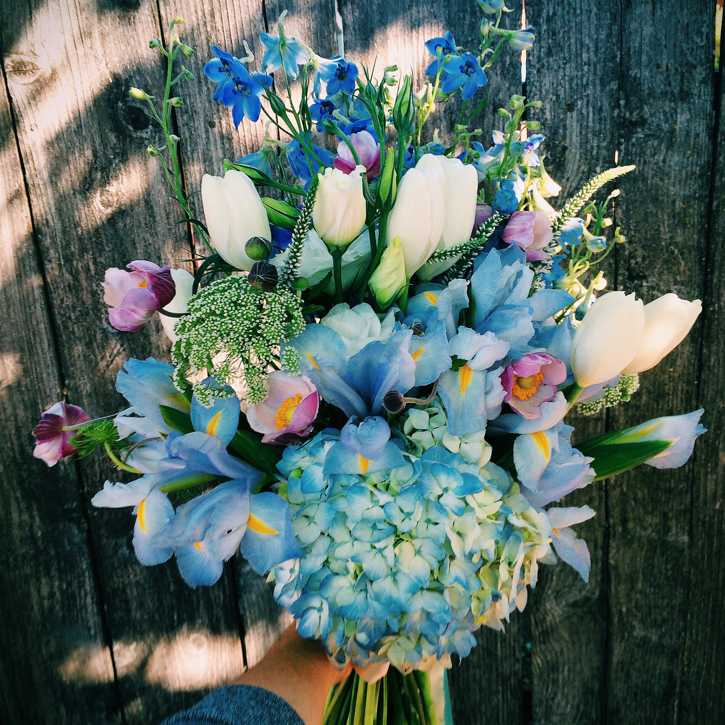 Oh, Jen's blue and lavender bridal bouquet was not to be forgotten.