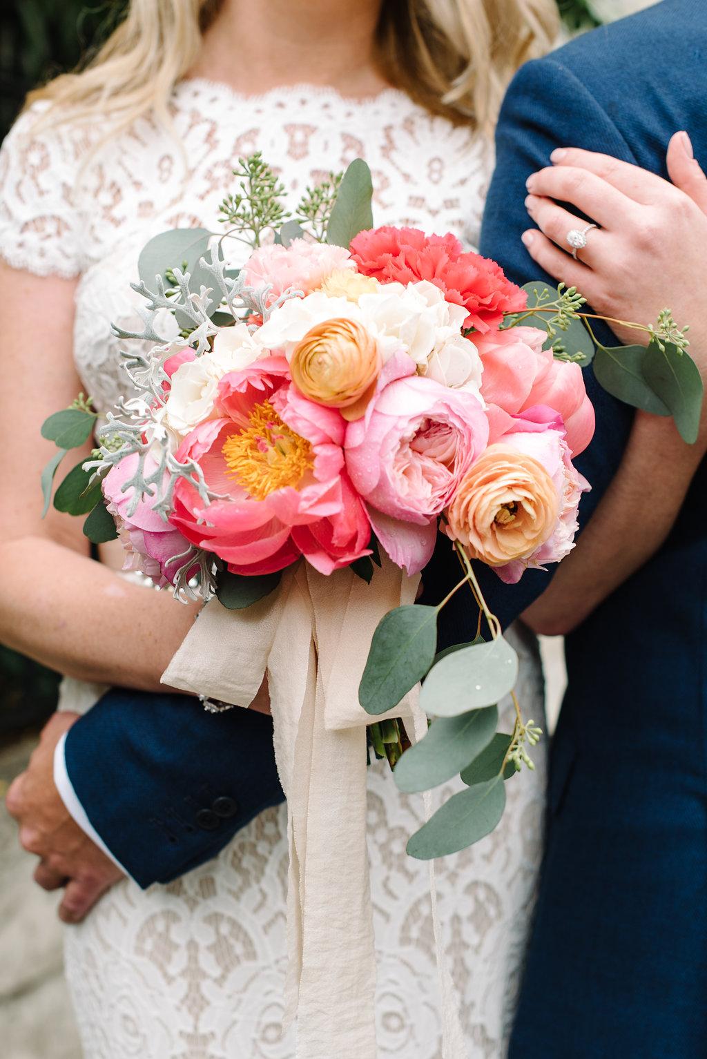 charleston elopement planners, scarlet plan & design, coral, tangerine, hot pink, peach bridal bouquet