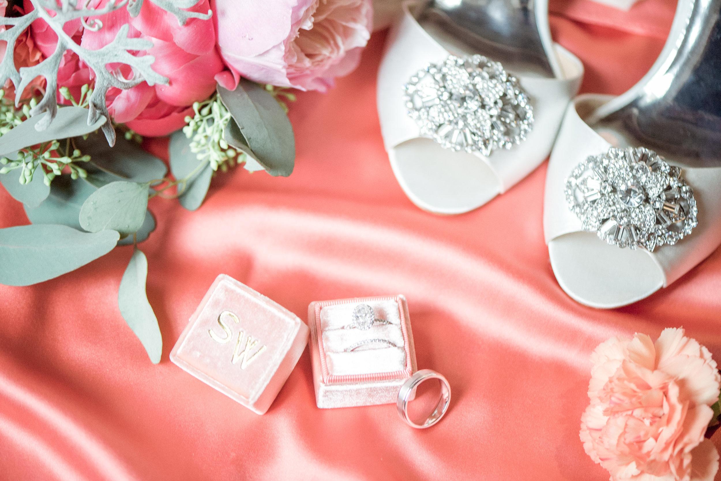 charleston elopement planners, scarlet plan & design, coral, tangerine, hot pink, peach intimate wedding (33).jpg
