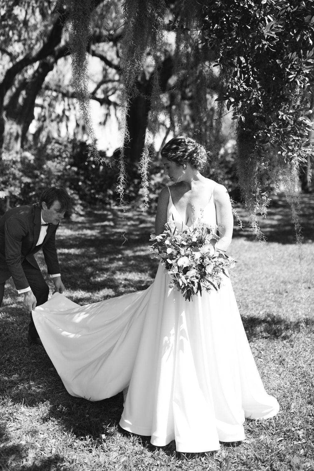 Edisto Island Wedding at Cypress Trees Plantation - Charleston Destination Luxury Wedding Planner - Scarlet Plan & Design (25).jpg