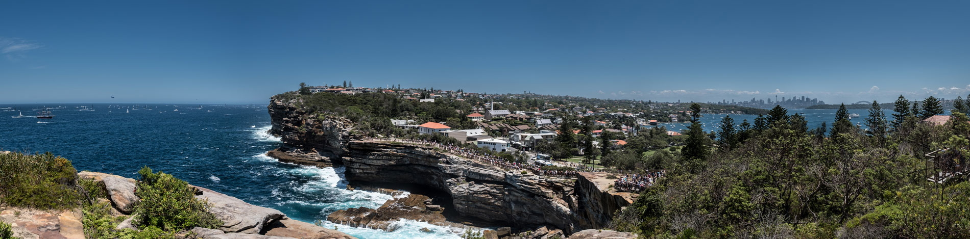 Sydney to Hobart - panoramic view from The Gap - Watsons Bay - boxing day 2018