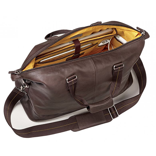 Brenthaven Weekender (Mercer Collection) - This bag isn't a dedicated camera bag, but a beautiful weekender that can fit your clothes whilst traveling on a shoot, plus those extras like your laptop, portable hard drives and other accessories.• Fits a 15