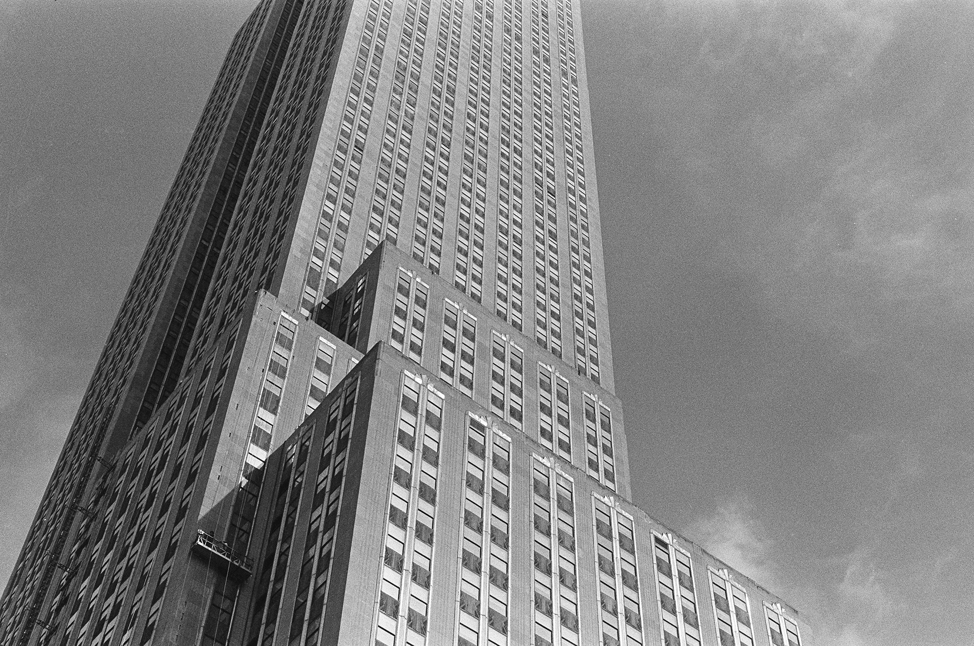 the empire state building / Manhattan