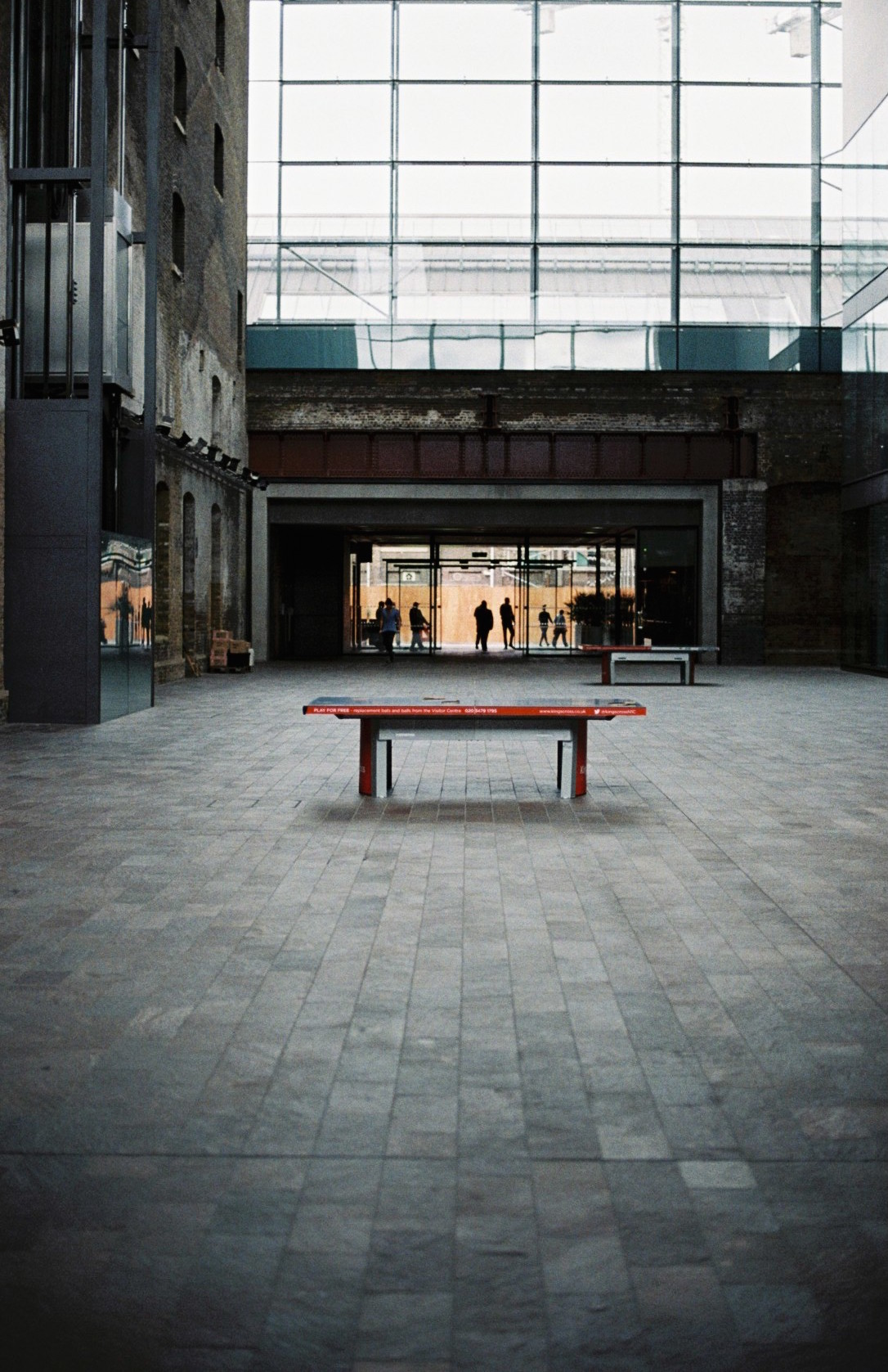 lonely table / central saint martins