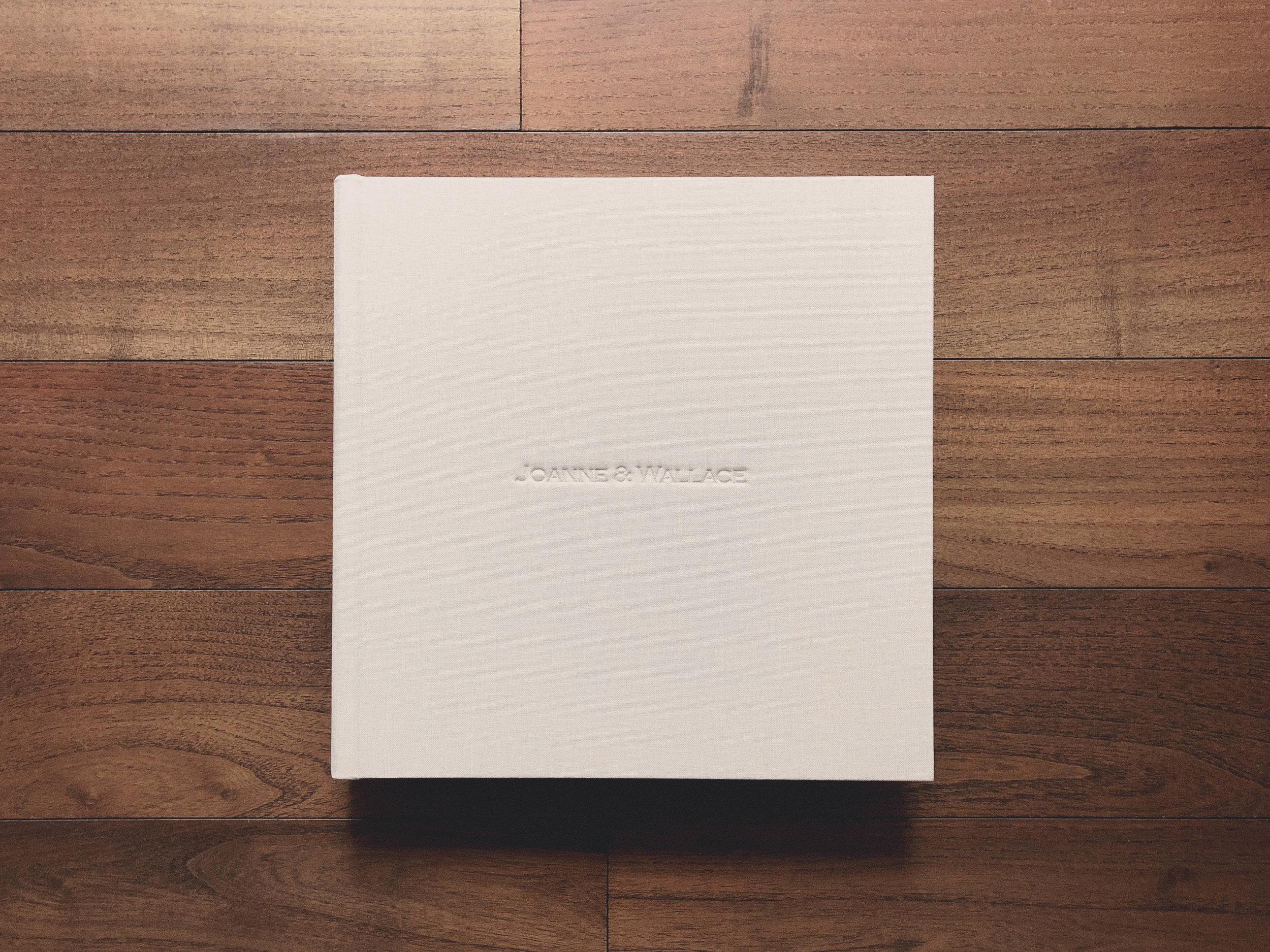 Signature Book (Standard)