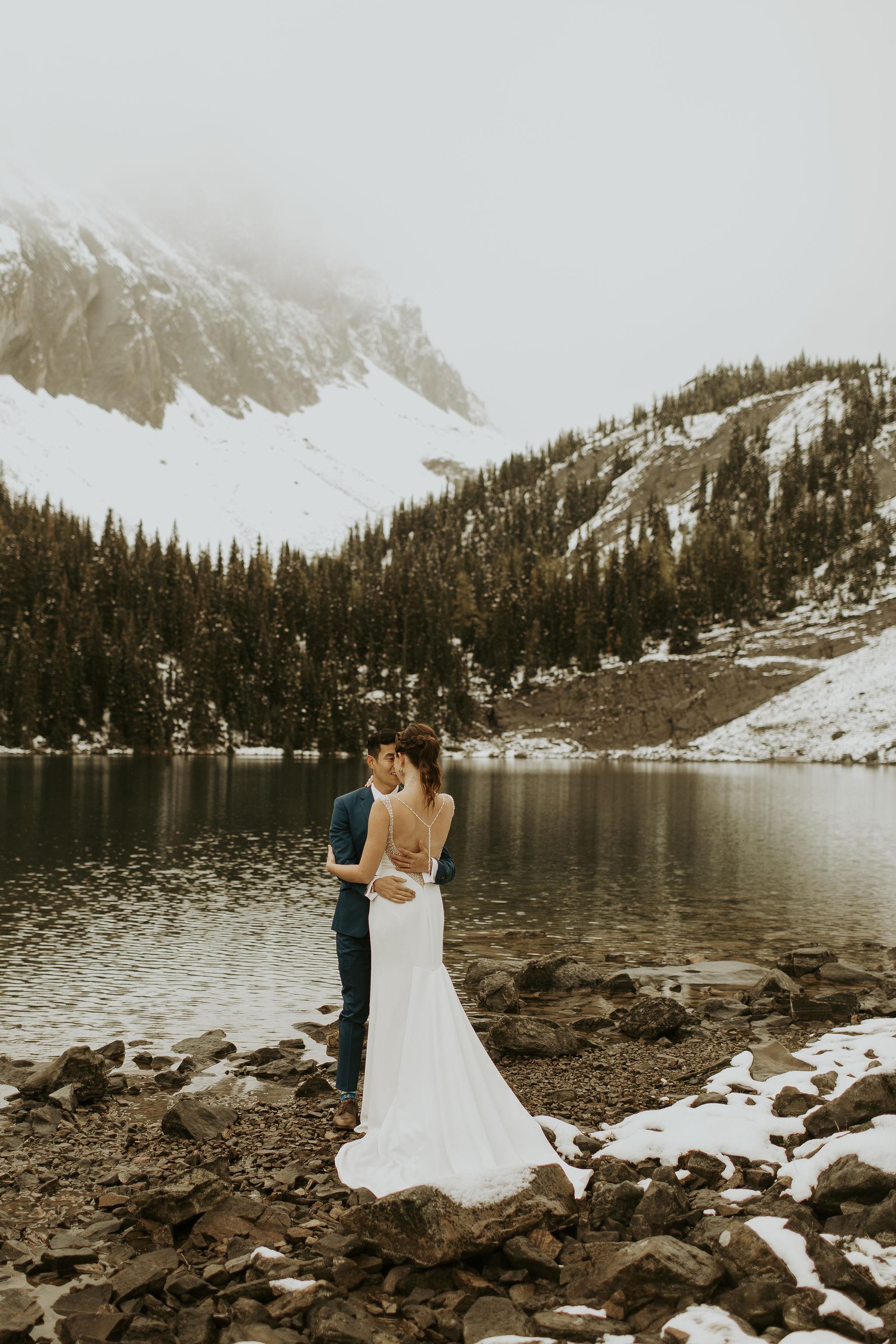 AK_Wedding_MountainPortraits-21.jpg