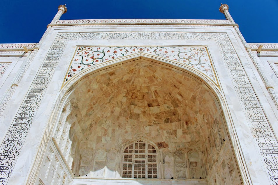 The crazy intricate detail on the outside of the Taj Mahal.