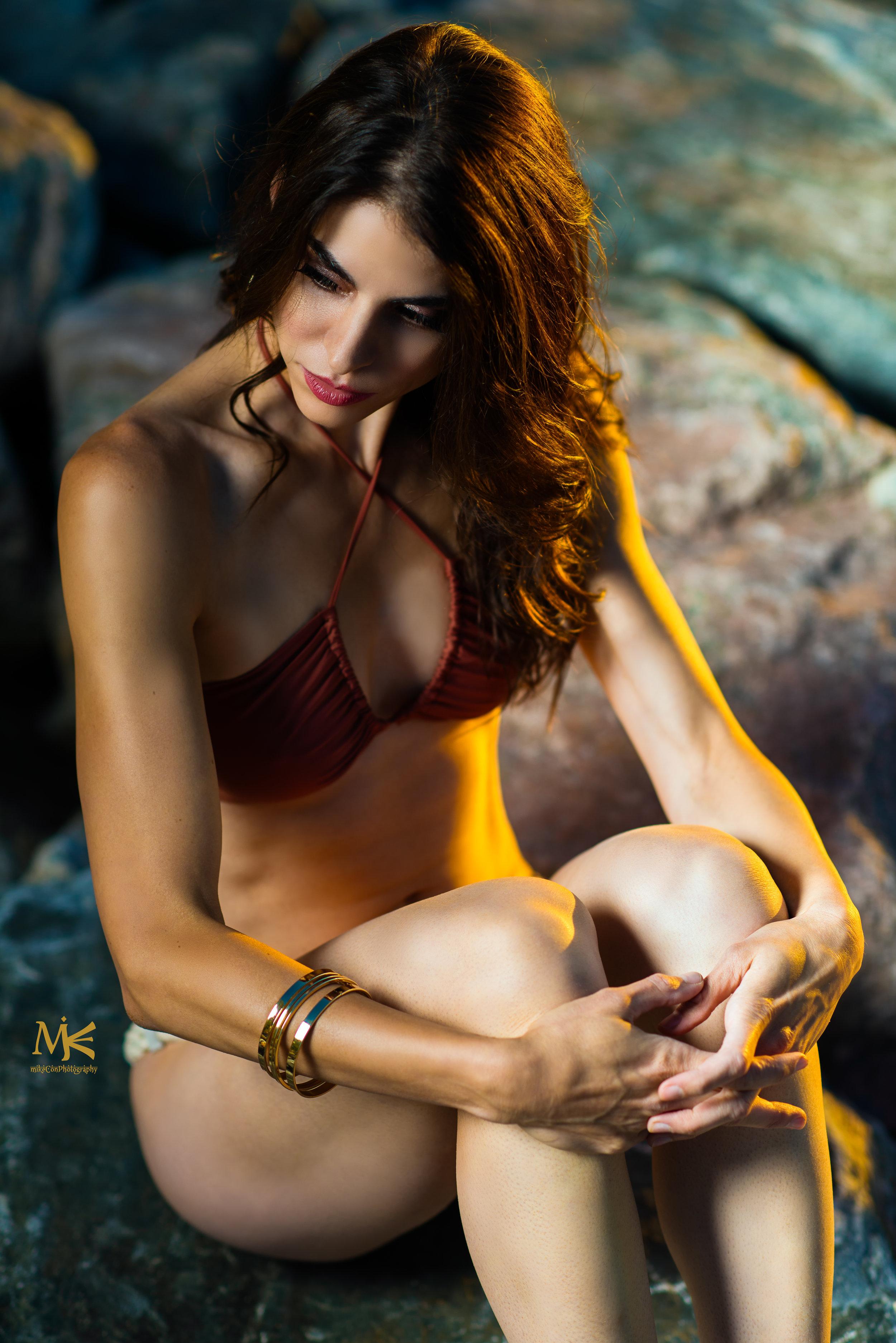Kim-Rosa-bikini-mikeconphoto