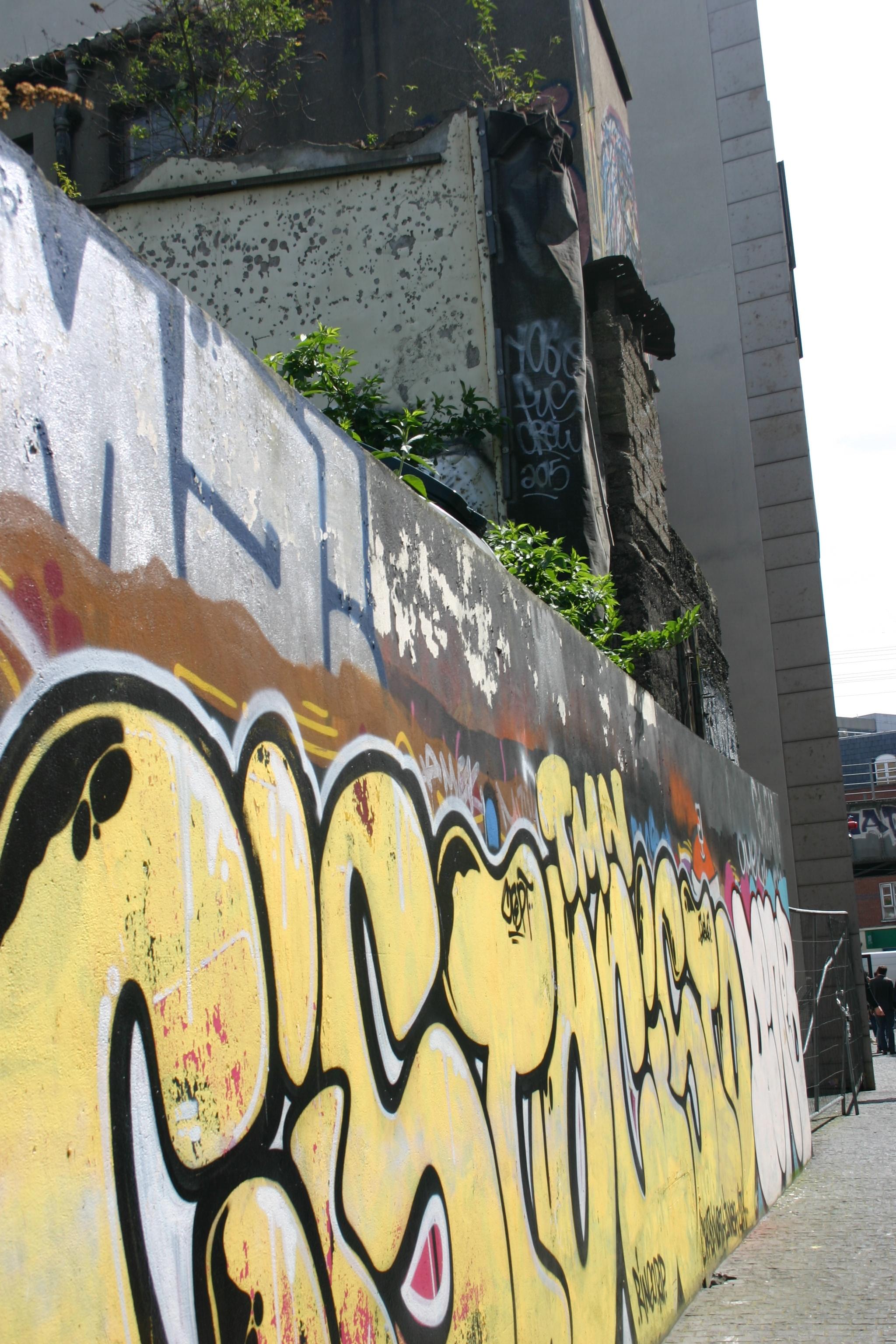 grafitti wall.jpg