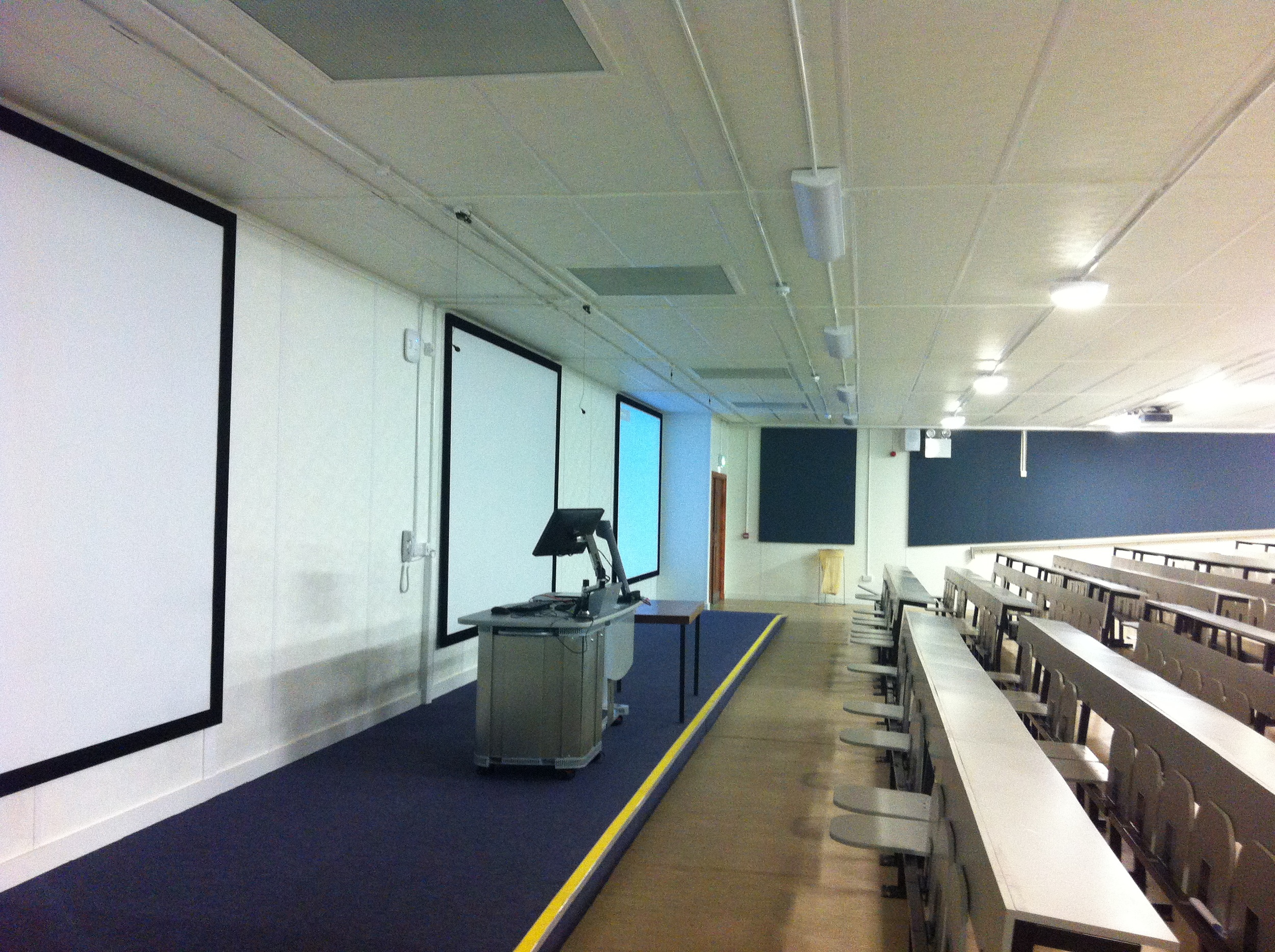 ucd-lecture-theatre-6.jpg