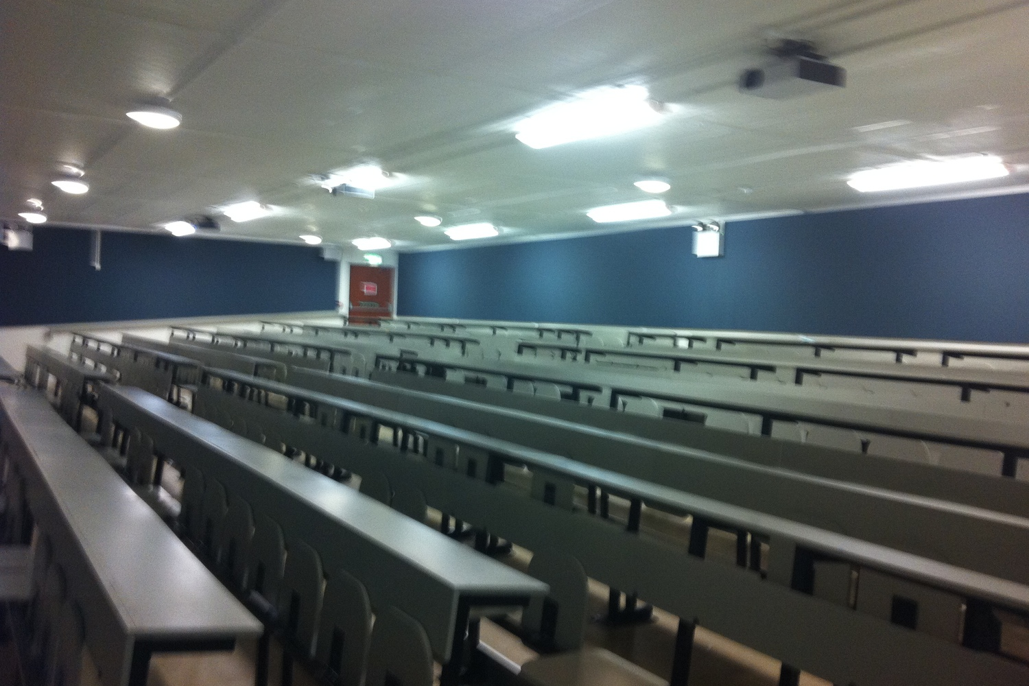 UCD Lecture Theatre    Read our case study