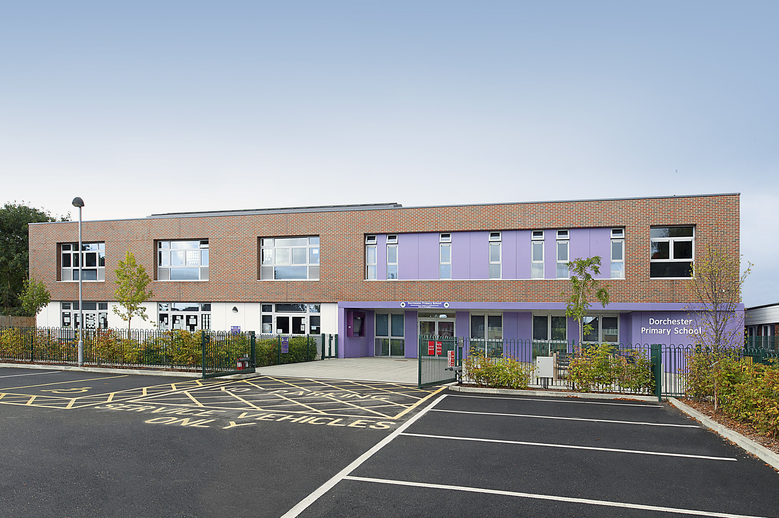 Dorchester Primary School Surrey    Read our case study