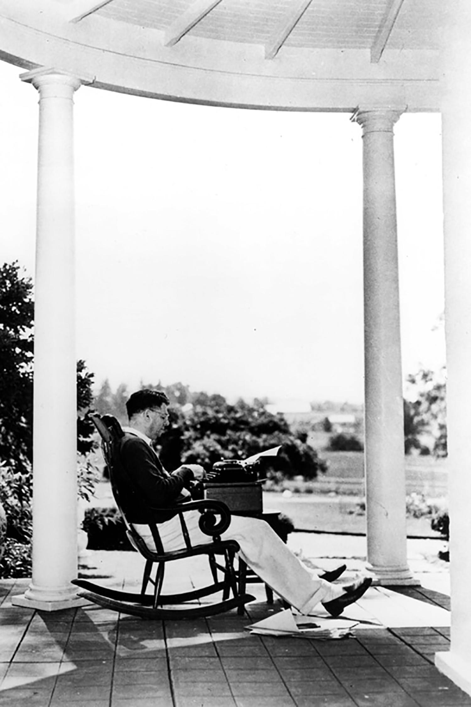 rocking-chair-porch-1944.jpg
