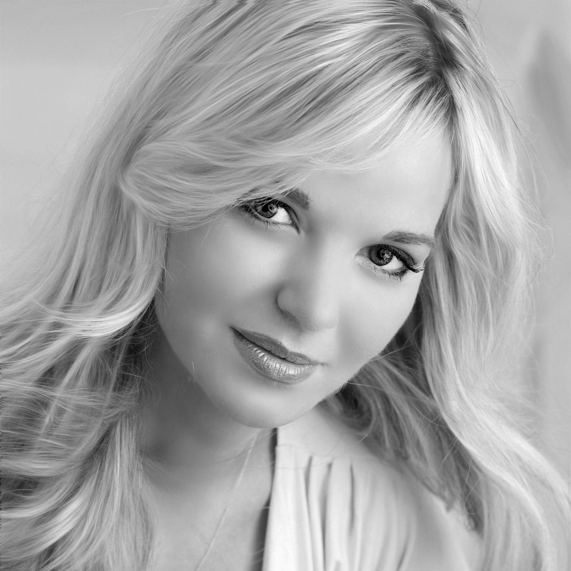 Vocalist Doreen Taylor
