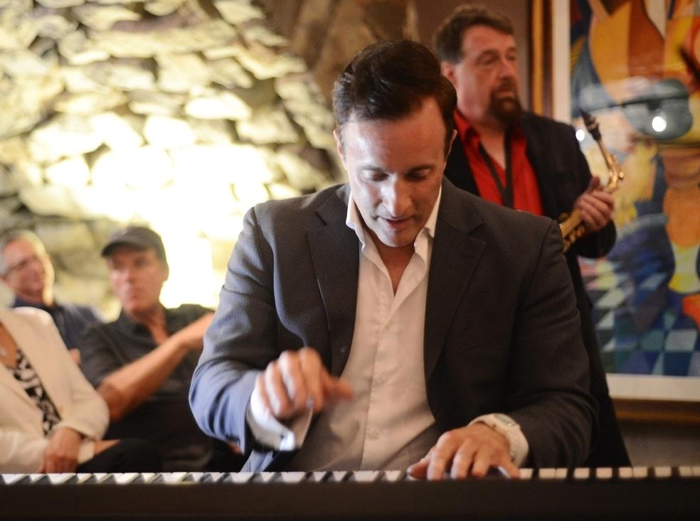Full-Circle & Unplugged - A Jazz Man is Born