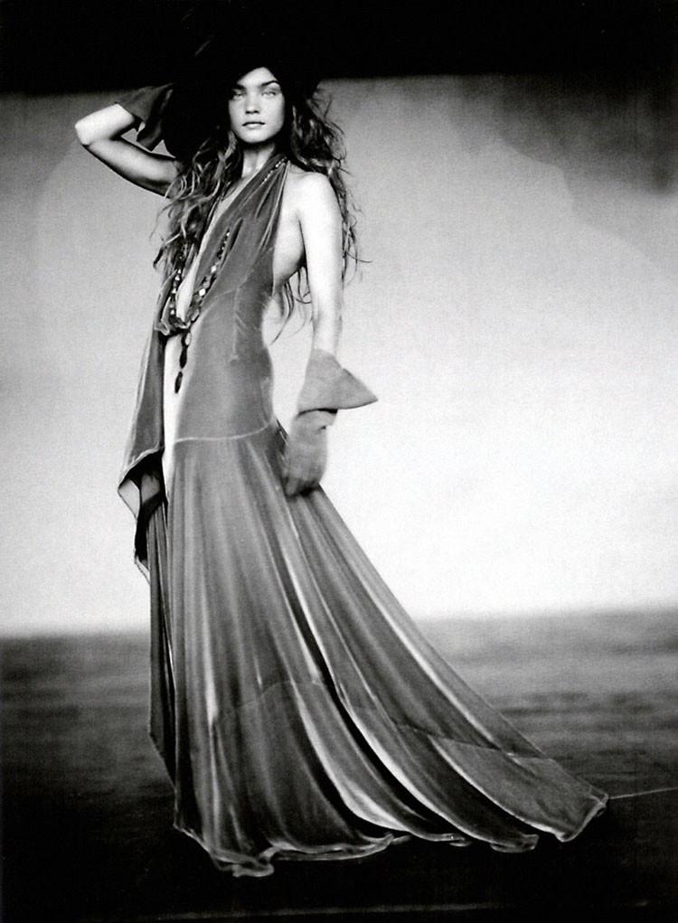 a-girl-of-singular-beauty-paolo-roversi-edward-enninful-vogue-italia-via-fgr3