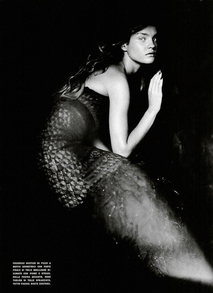 a-girl-of-singular-beauty-paolo-roversi-edward-enninful-vogue-italia-via-fgr5