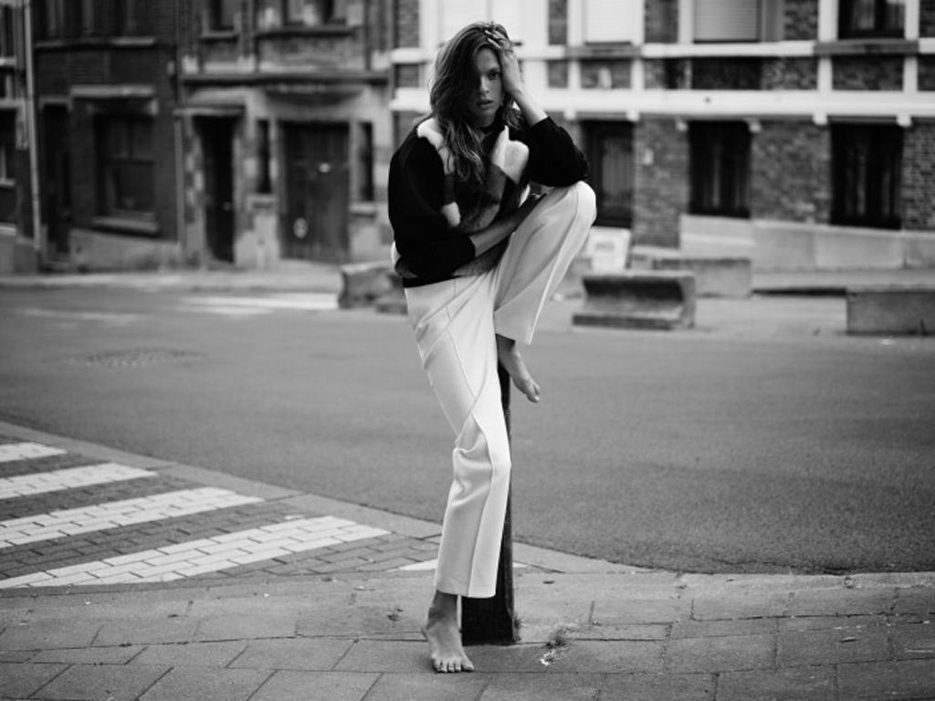 Elise-Crombez-by-Annemarieke-van-Drimmelen-for-Rika-Magazine-3-700x525.jpg