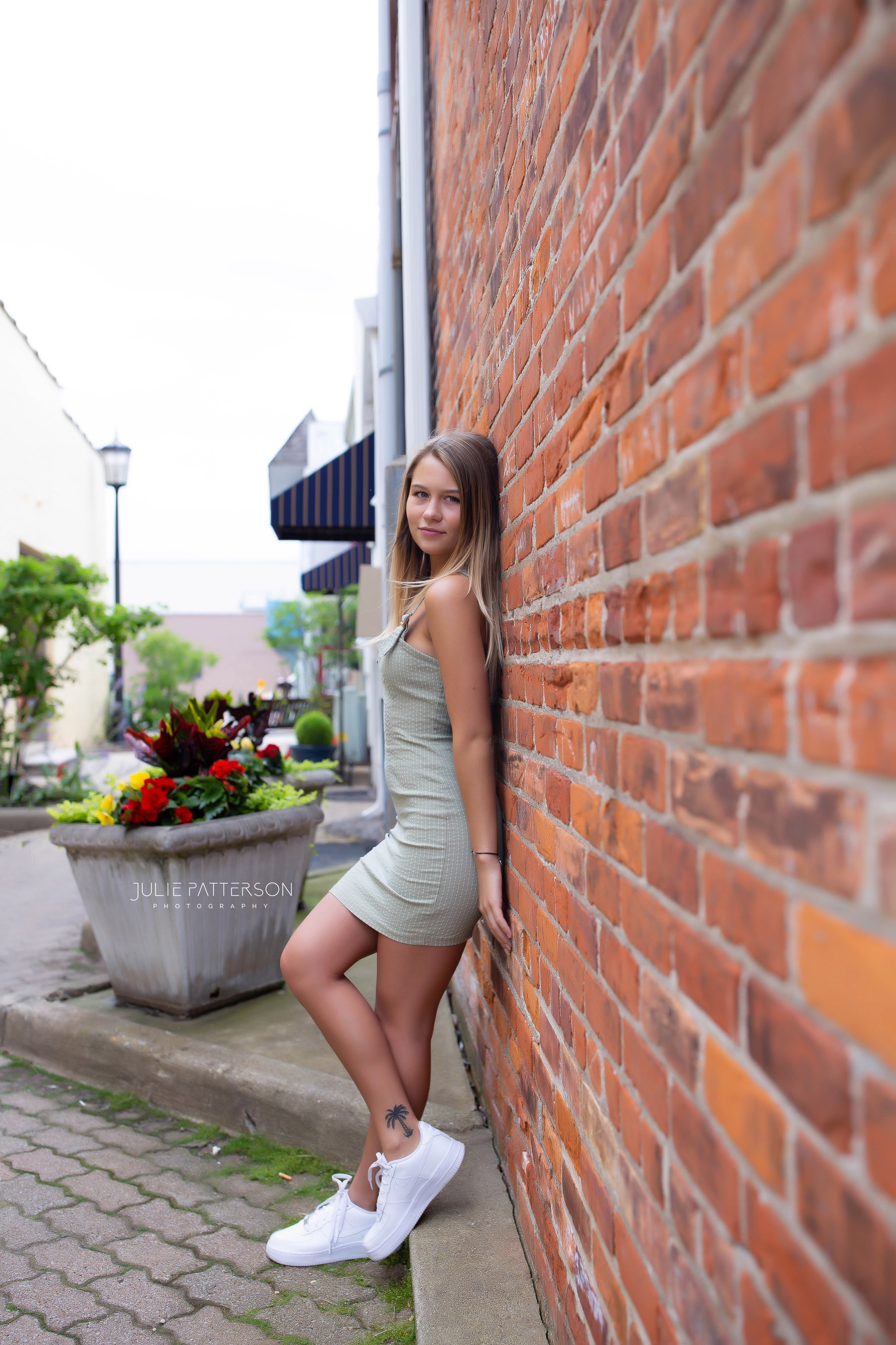Julie Patterson Photography High School Senior Photographer Northville Michigan Plymouth Canton Milan Ann Arbor Novi Dearborn