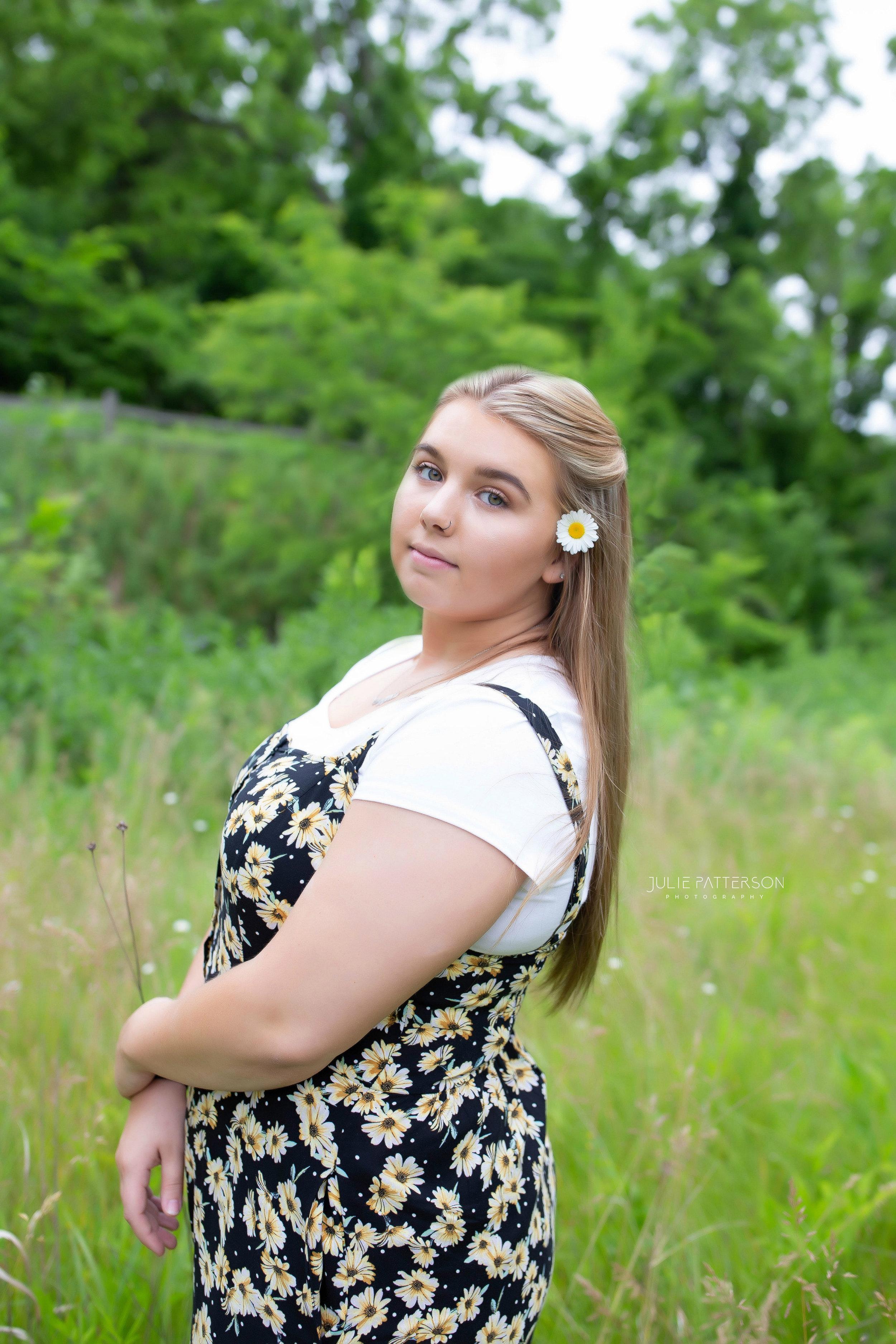 Julie Patterson Photography Garden City Michigan High School Senior Photographer Ann Arbor Milan Saline Plymouth Northville Canton