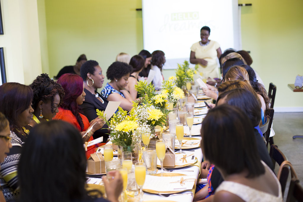 Twenty-eight fellow dreamers gathered together enjoy an afternoon of inspiration.
