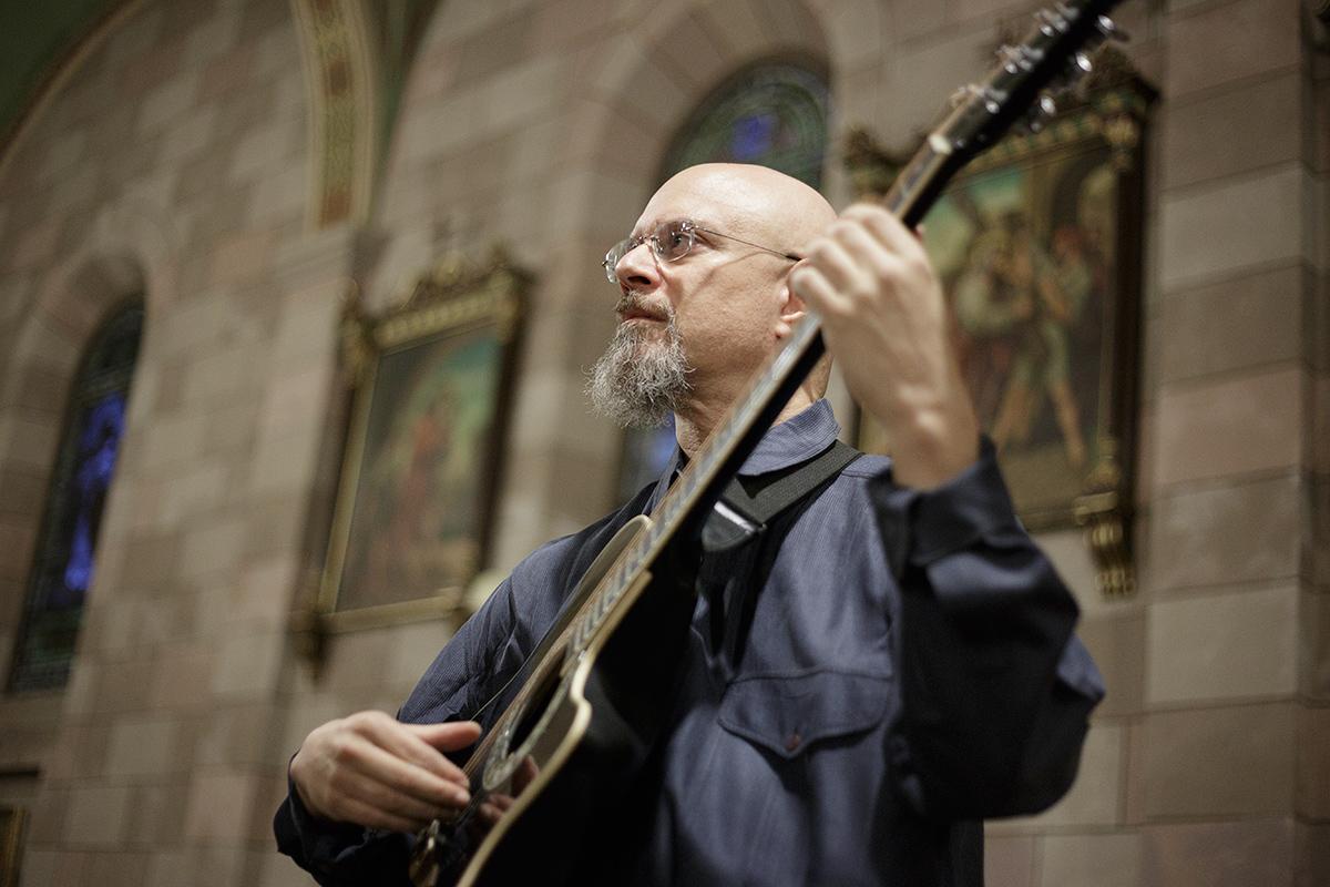 Tony Geballe performing