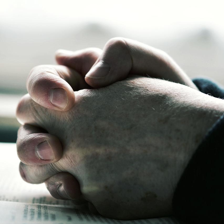 pray-2558490_1280.jpg