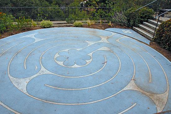 mount-calvary-labyrinth.jpg