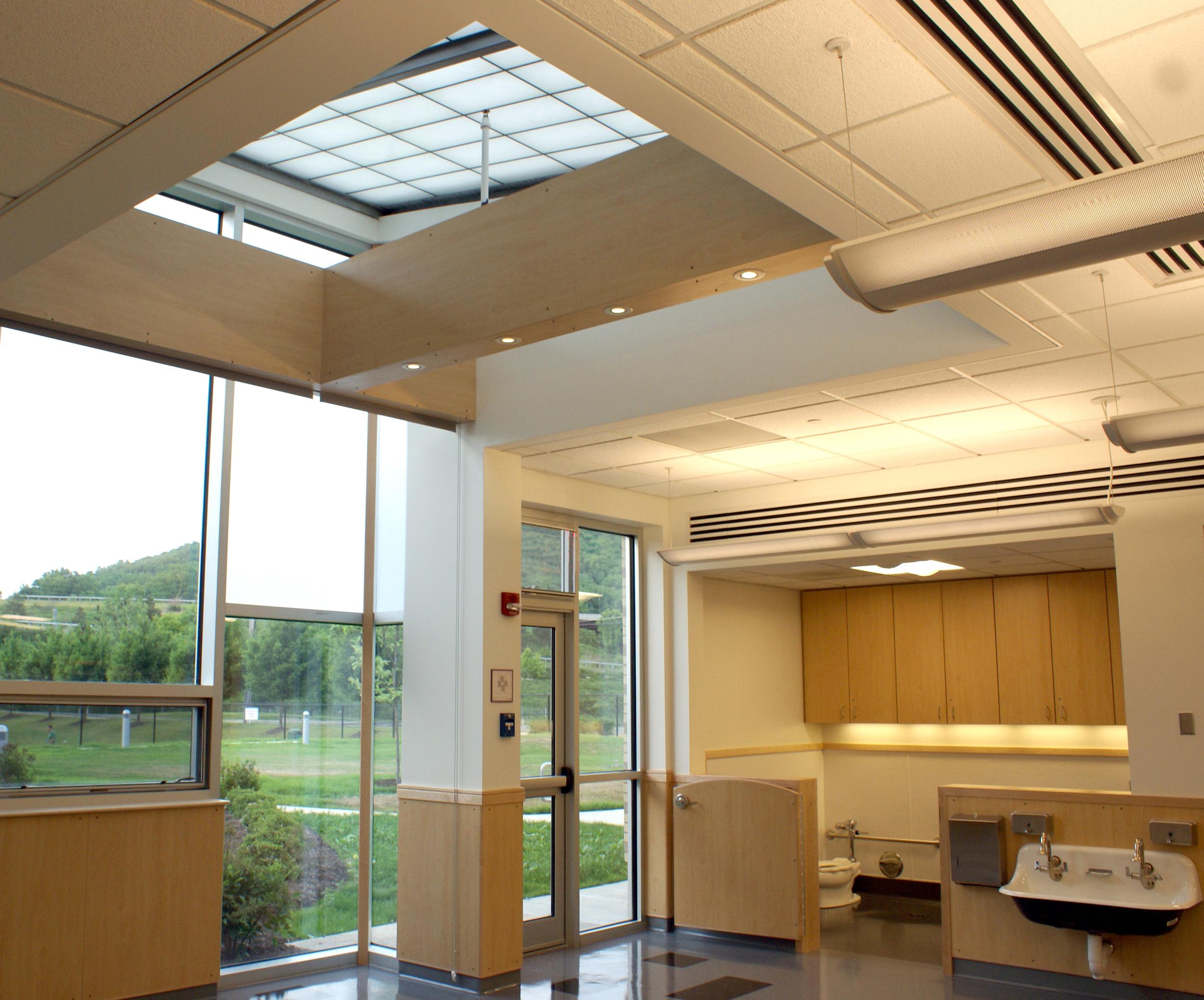 phopro-int-classrm skylight open-431ppi-7x6.jpg