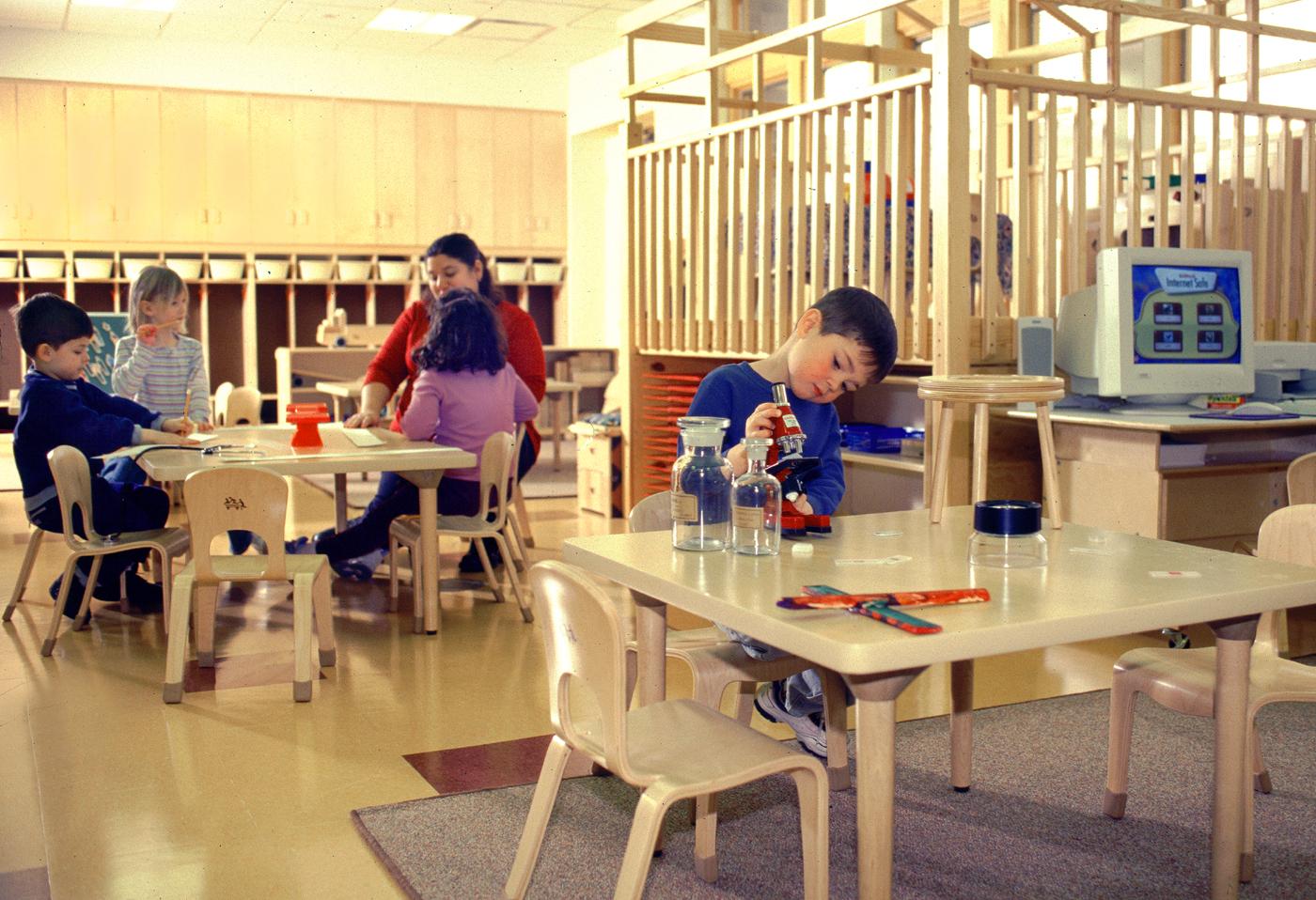 01.5_phopro-int-preschool room science-200ppi-7x5.jpg