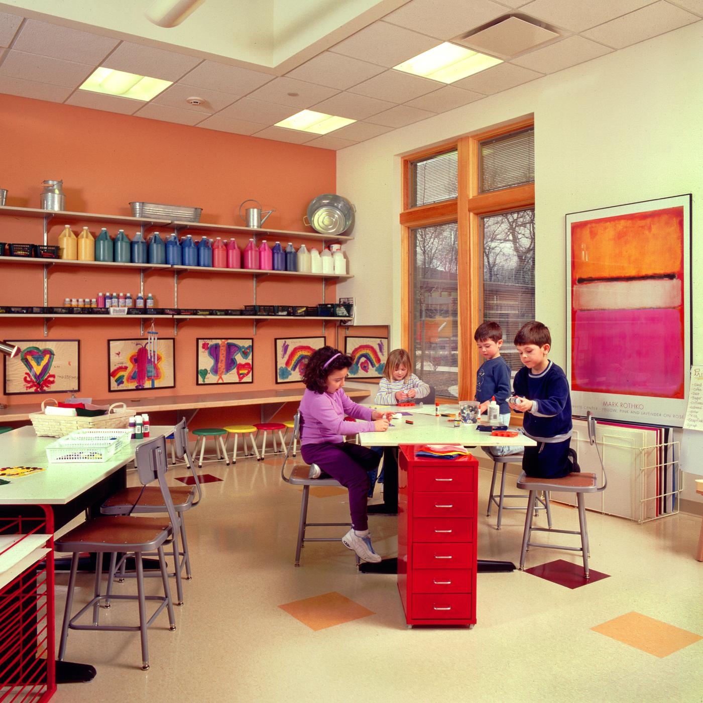 01.6_phopro-int-artroom kids working-200ppi-7x7.jpg