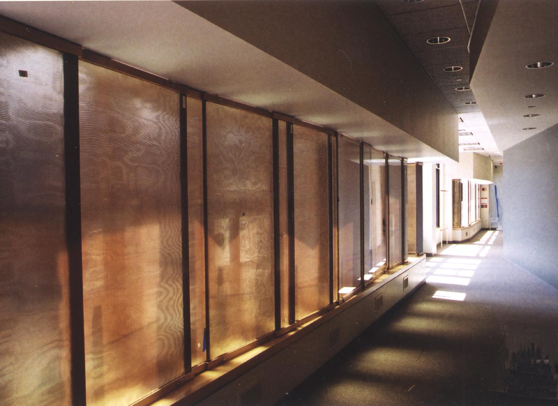 pho-int-hallway-150ppi-10x7.jpg