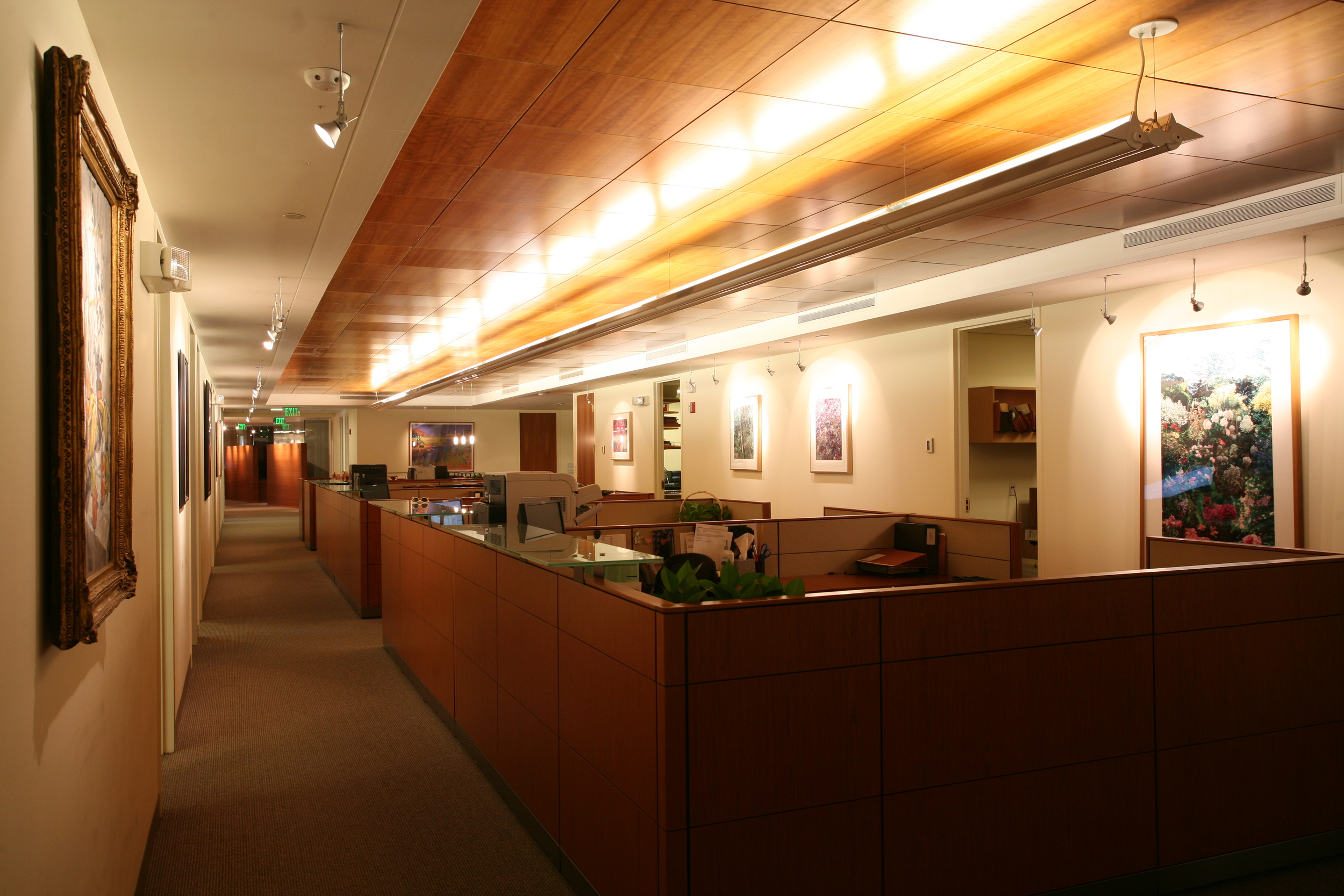 pho-int-entry reception-72ppi-60x40.JPG