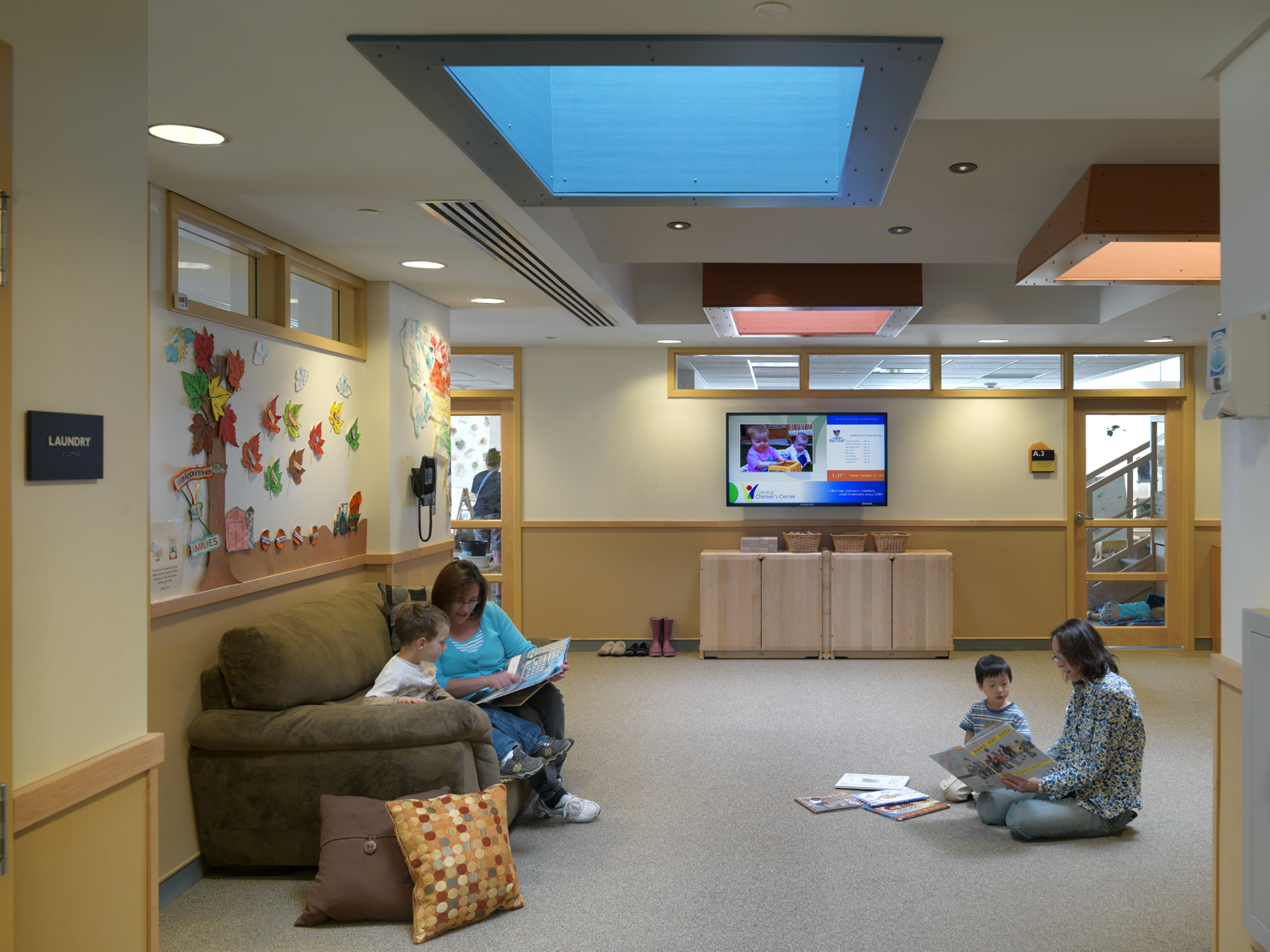 phopro-int-family room-H1500px.jpg