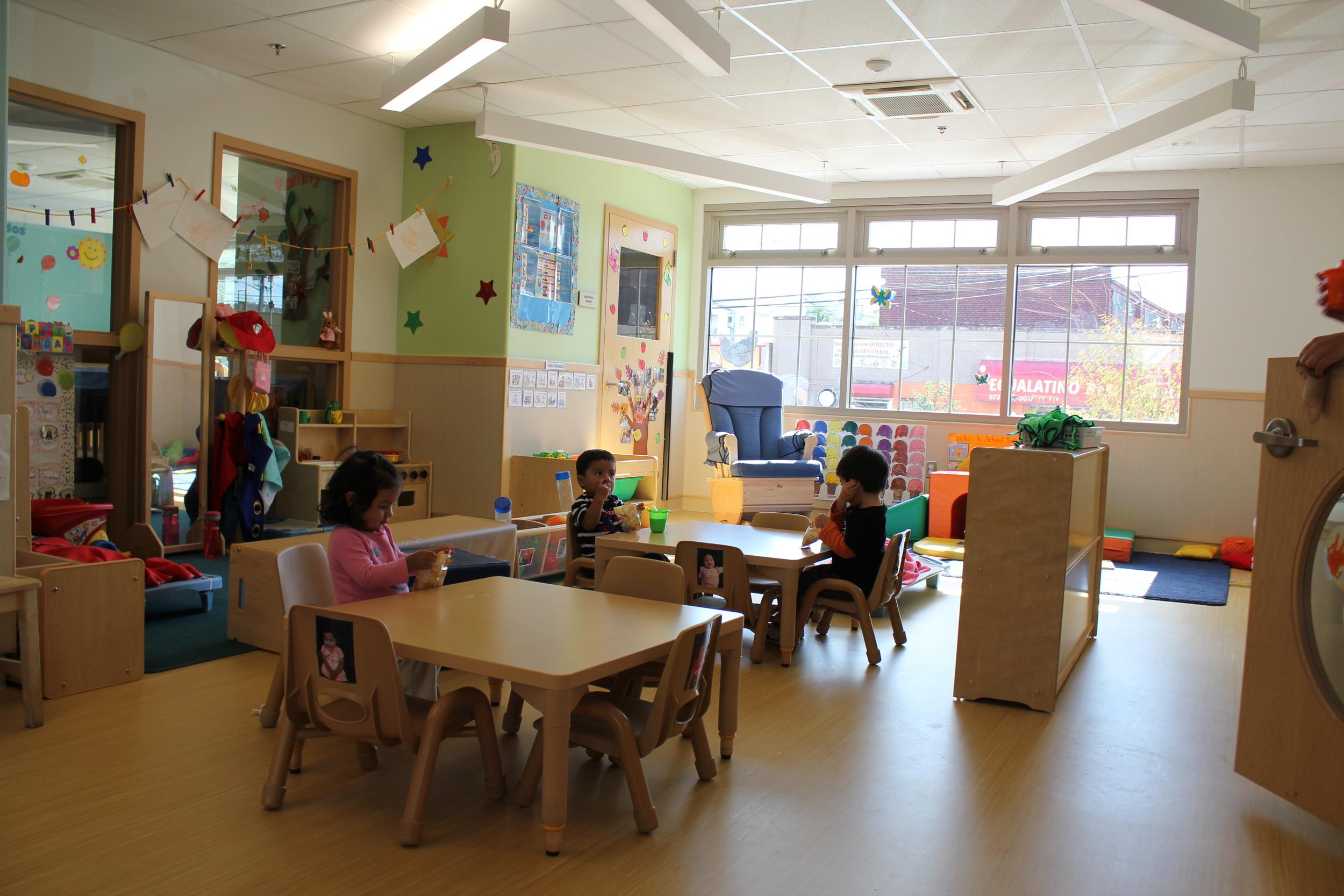 pho-int-classroom kids at table-72ppi-72x48.JPG