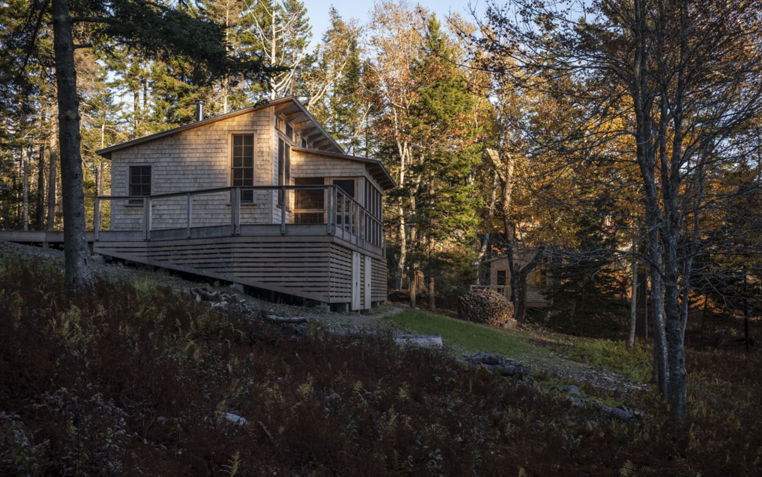 phopro-ext-hill_cabin_w_facade-150ppi8x5.jpg