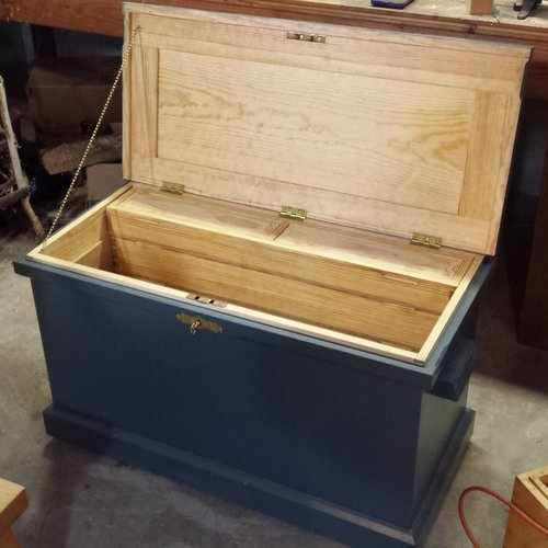 traditional traveling tool chest