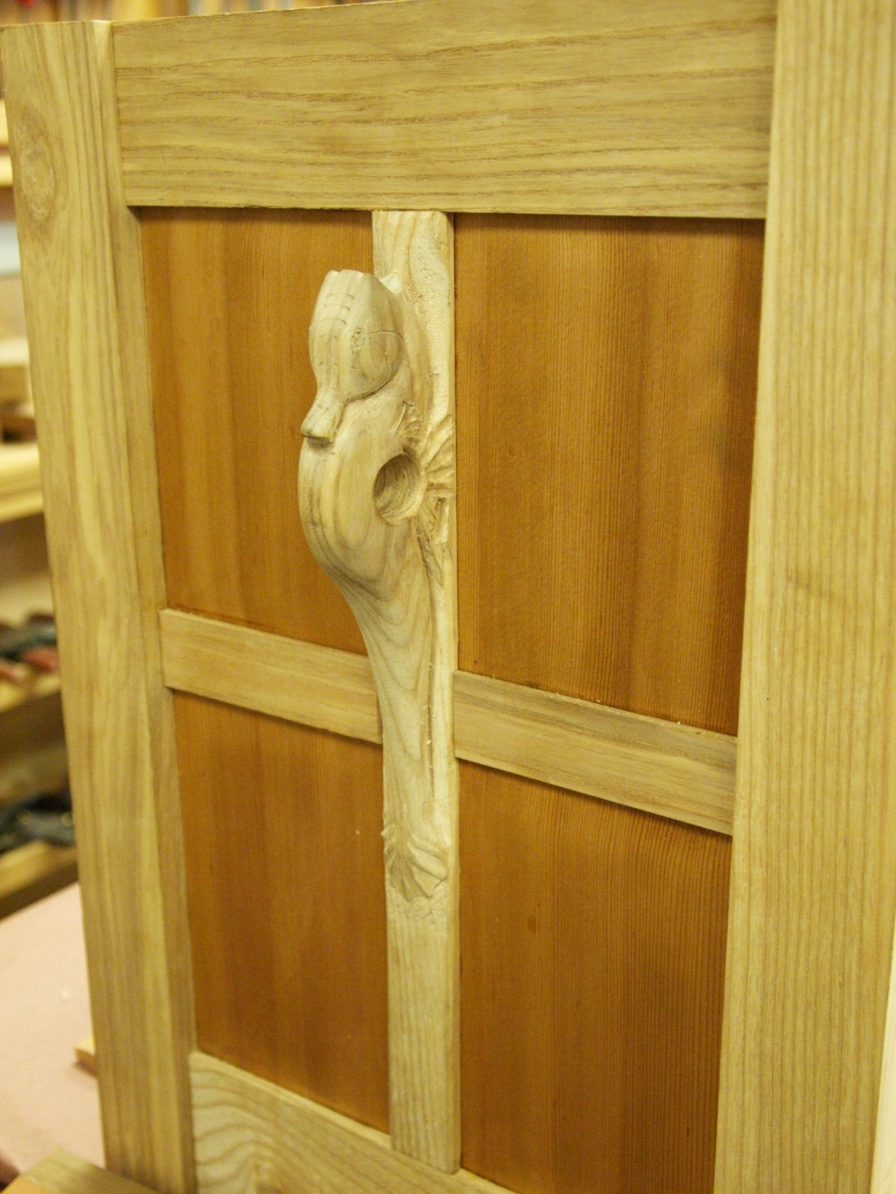 Detail frame & panel chest