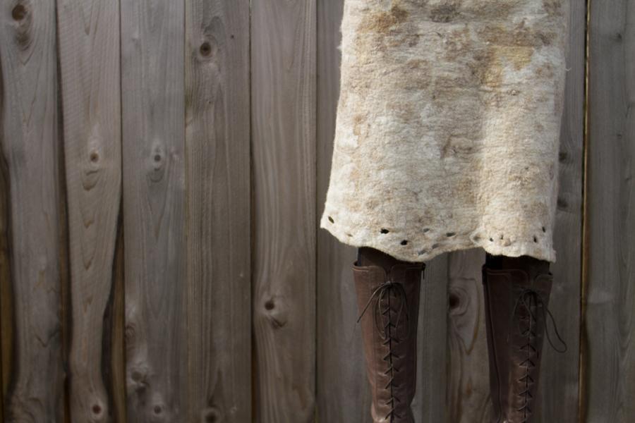 20110228feltskirt.jpg