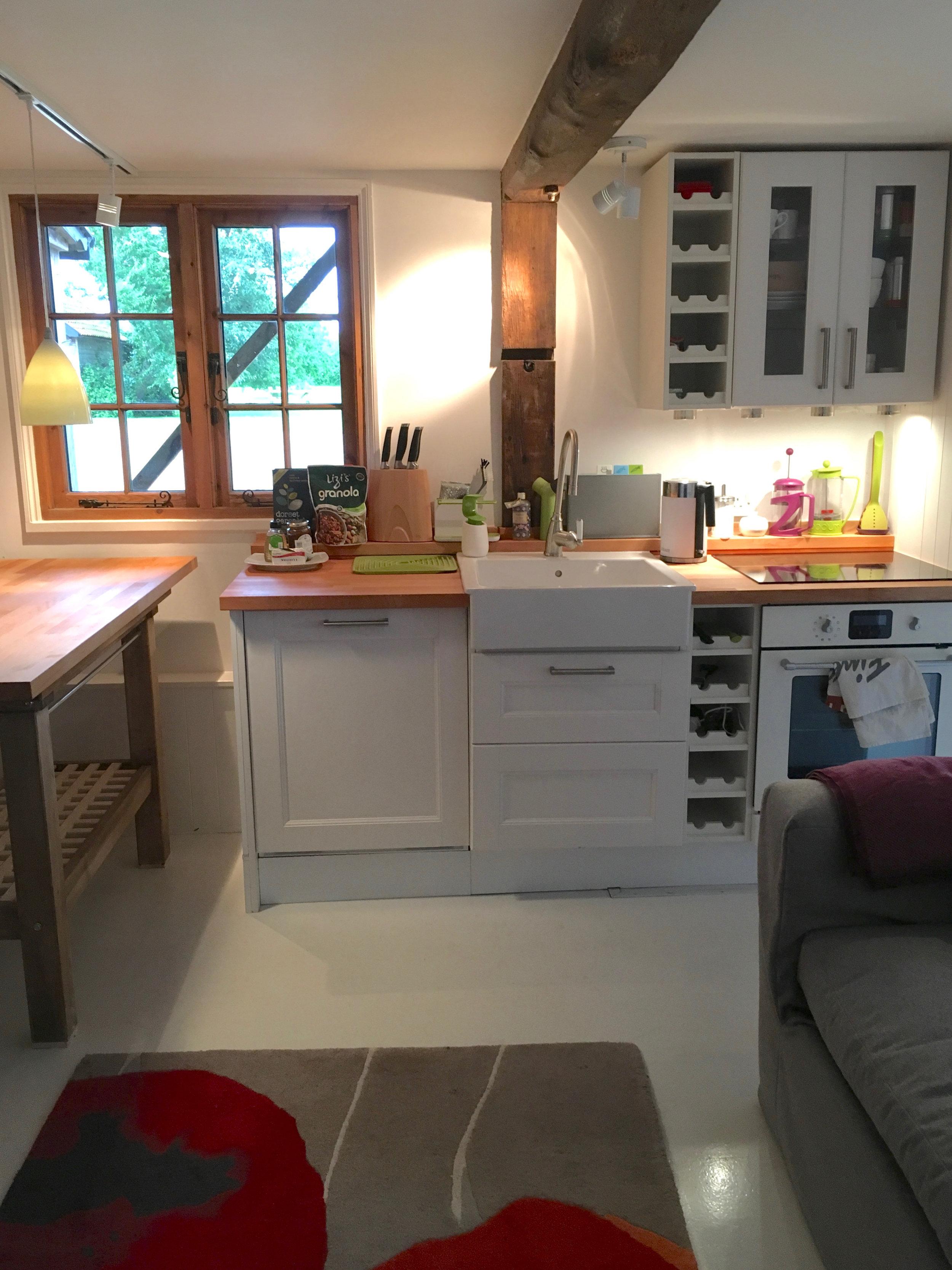 Compact and bijoux kitchen