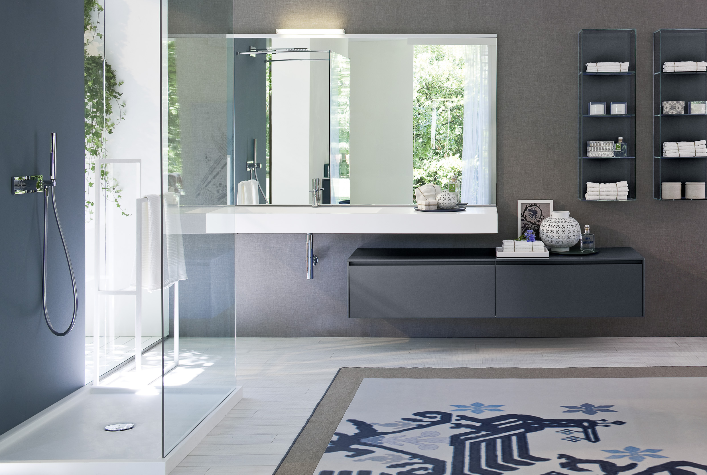 BATHROOM - We offer a line of modern bathroom vanities that complements our kitchen lines. Our bathroom vanities are in line with our reputation on quality and on the cutting edge of innovation and Italian design.