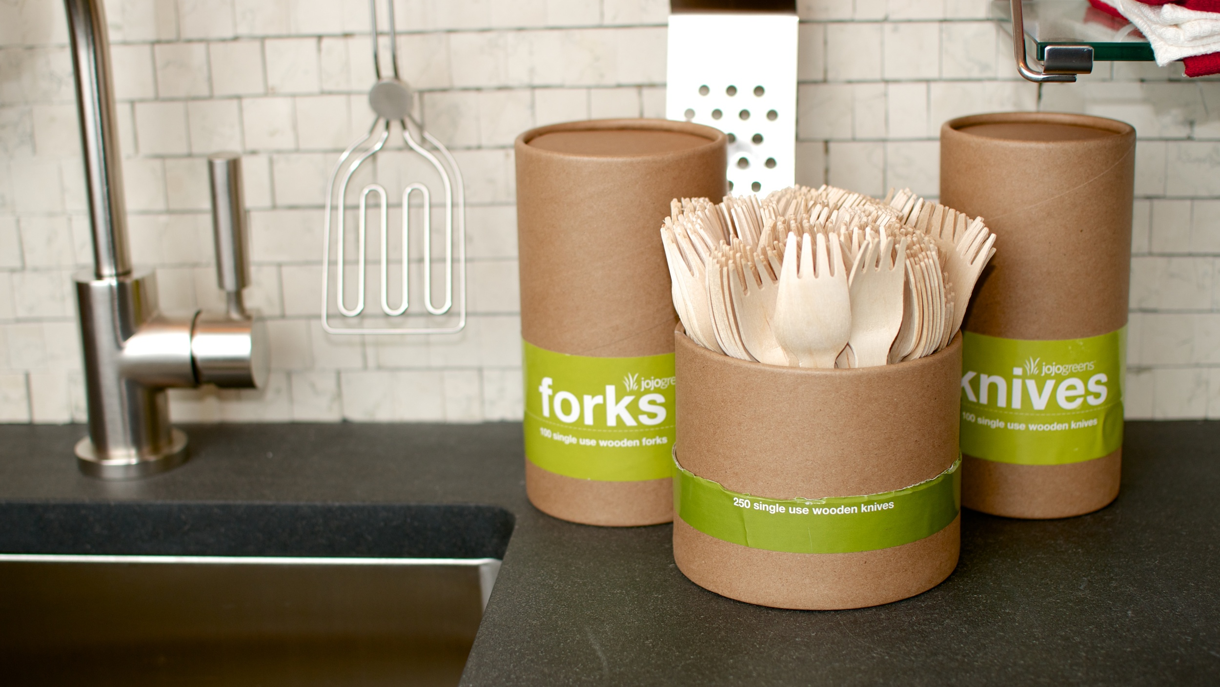 Serve and store from the handy tube