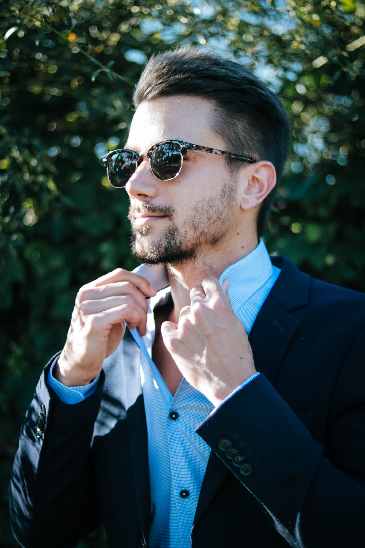 adult-blue-businessman-1043473.jpg