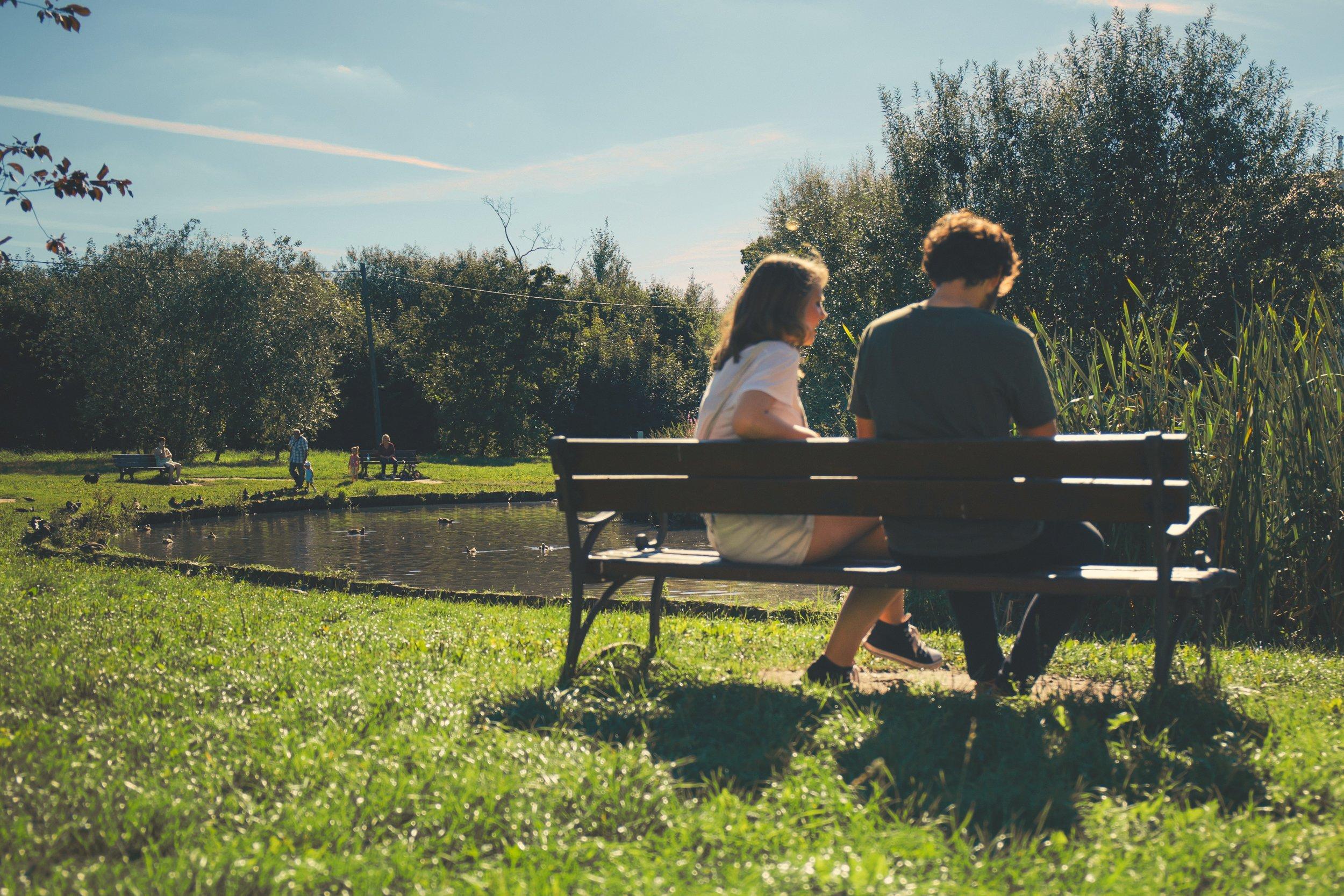 bench-couple-daylight-172368.jpg